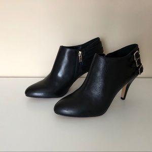 NWT Vince Camuto Velika Black Leather Booties